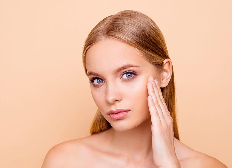 Adultos con acné: causas y soluciones